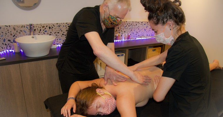 Massage Californien Mélodie à 4 mains